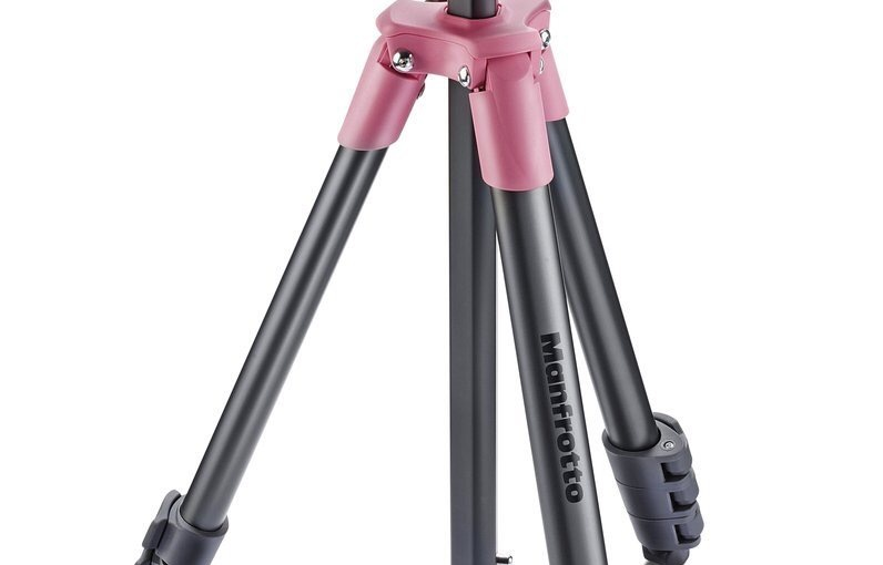 Pre-Review Of The Manfrotto MKCOMPACTLT-PK Compact Tripod inPink