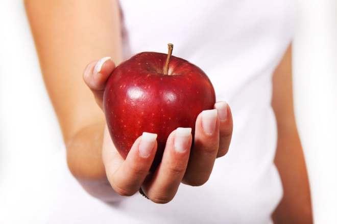 apple-diet-female-food-42068
